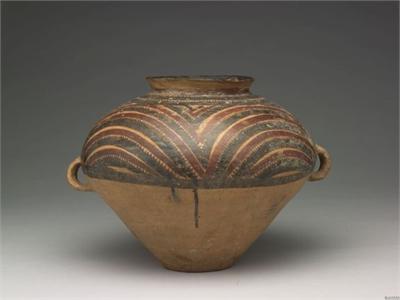 雙耳波濤紋彩陶罐