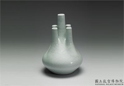 清 雍正 仿汝釉瓷五管瓶