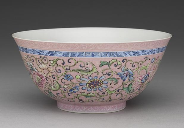 粉紅錦地番蓮碗