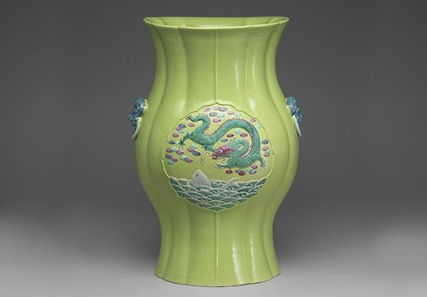 綠地魚龍圖花式瓶