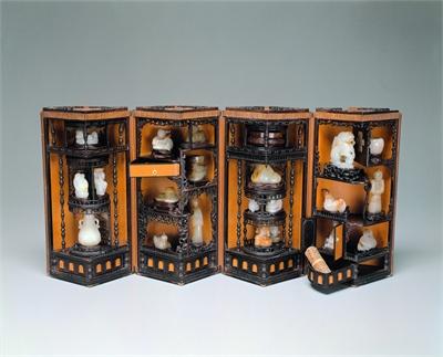 Bamboo-veneered Curio Box with Lotuses