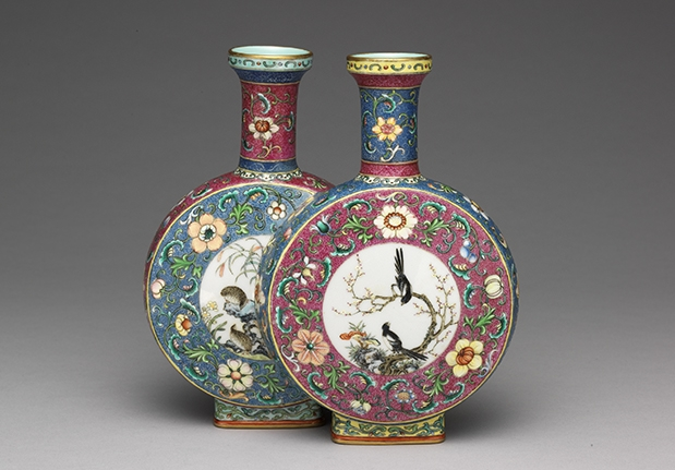 Famille Rose Conjoined Vase with Panels of Birds and Flowers