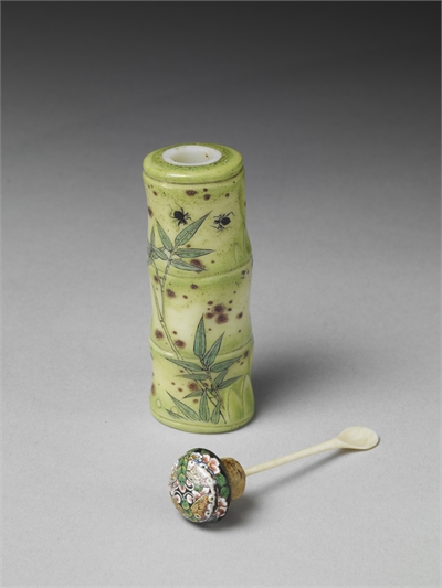 Glass-body Painted Enamel Snuff Bottle in the Shape of a Bamboo Section