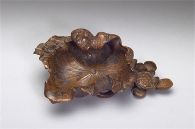 Bamboo Water Container in the Shape of a Lotus Leaf, with signature of Zhu Sansong