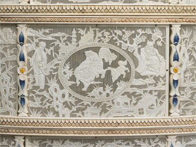 Ivory Four-tiered Food-Carrying Case in Openwork Relief