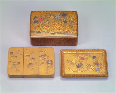 Set of Square Maki-e Lacquer Boxes, Decorated with Cherry Blossom Designs