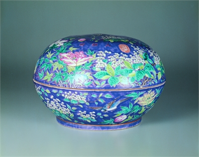大雅齋款 紫地粉彩花卉盒