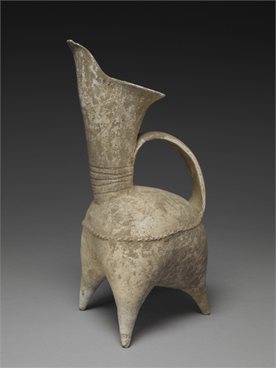 White pottery guei-pitcher