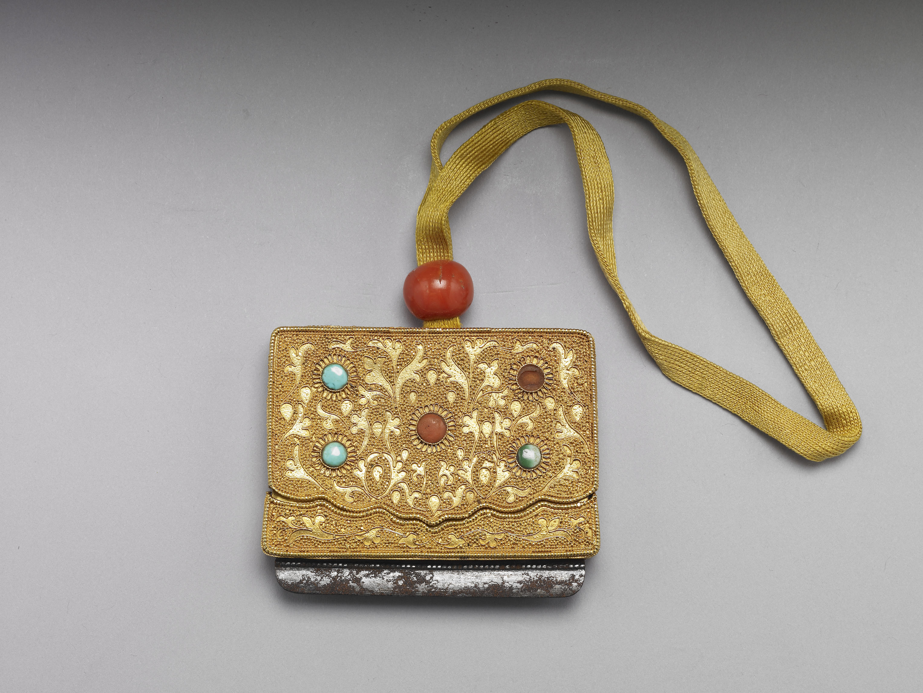 Gilt flint case with coral-and-turquoise inlay (with carved lacquer box and Qianlong reign mark)